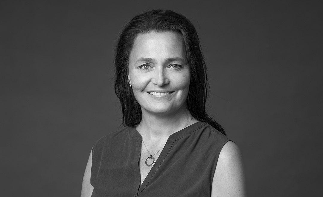 Helga Kristín Haraldsdóttir  Verkefnastjóri s. 824 0321  helga@atonjl.is