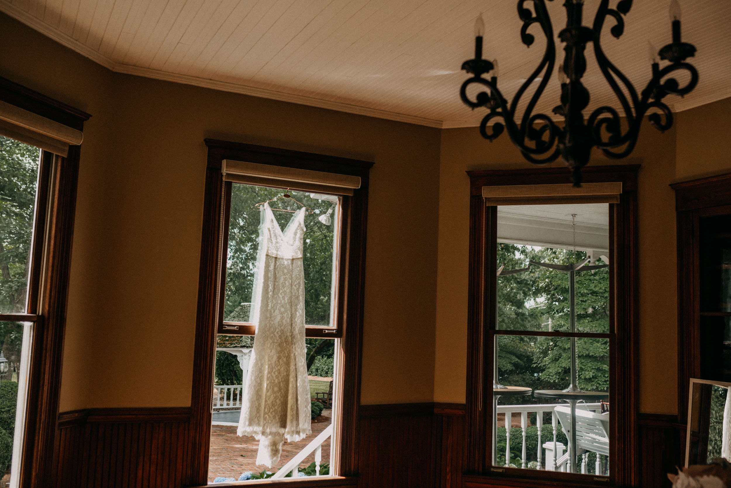 whitehead-manor-wedding-charlotte-nc-shellie-jarrett007.jpg