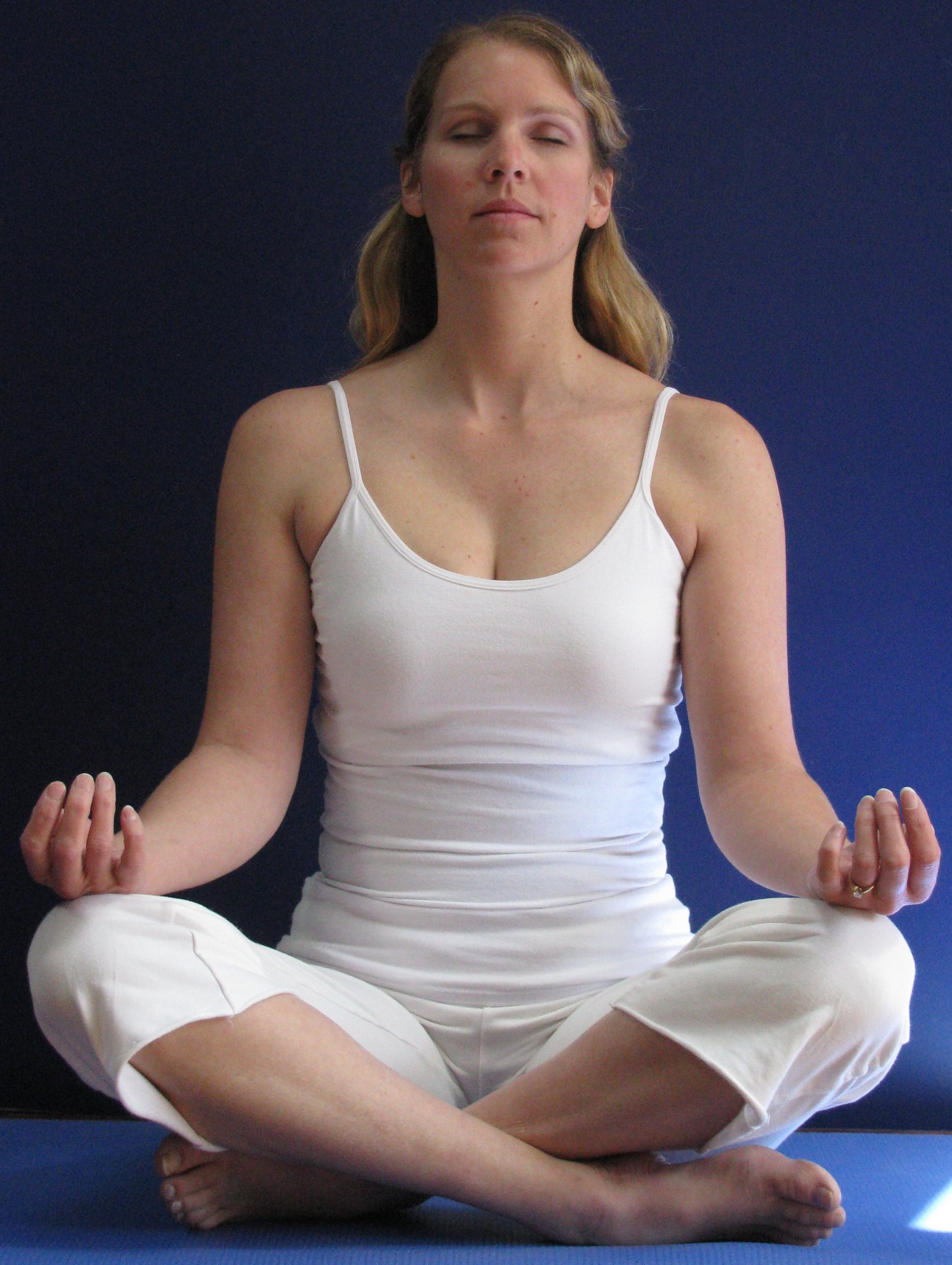 me yoga meditation cute.jpg