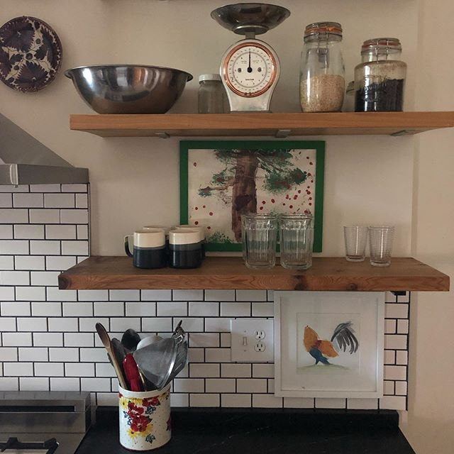 New blog post: a kitchen checklist for your vacation rental. In short, don't skimp in this department! Take a look and if I forgot anything, leave a comment. 🔪🍶🥄🥣🍽🧂 Pic is of my kitchen, a small but quite functional galley kitchen in my DC rowhouse. It's only got a small north-facing window so it's a titch grainy. 🤷🏽♀️ #airbnb #airbnbkitchen #airbnbdc #airbnbbaltimore airbnbannapolis #airbnbchecklist #vrbo #dcvrbo #dcrowhouse #petworthrowhouse #galleykitchen