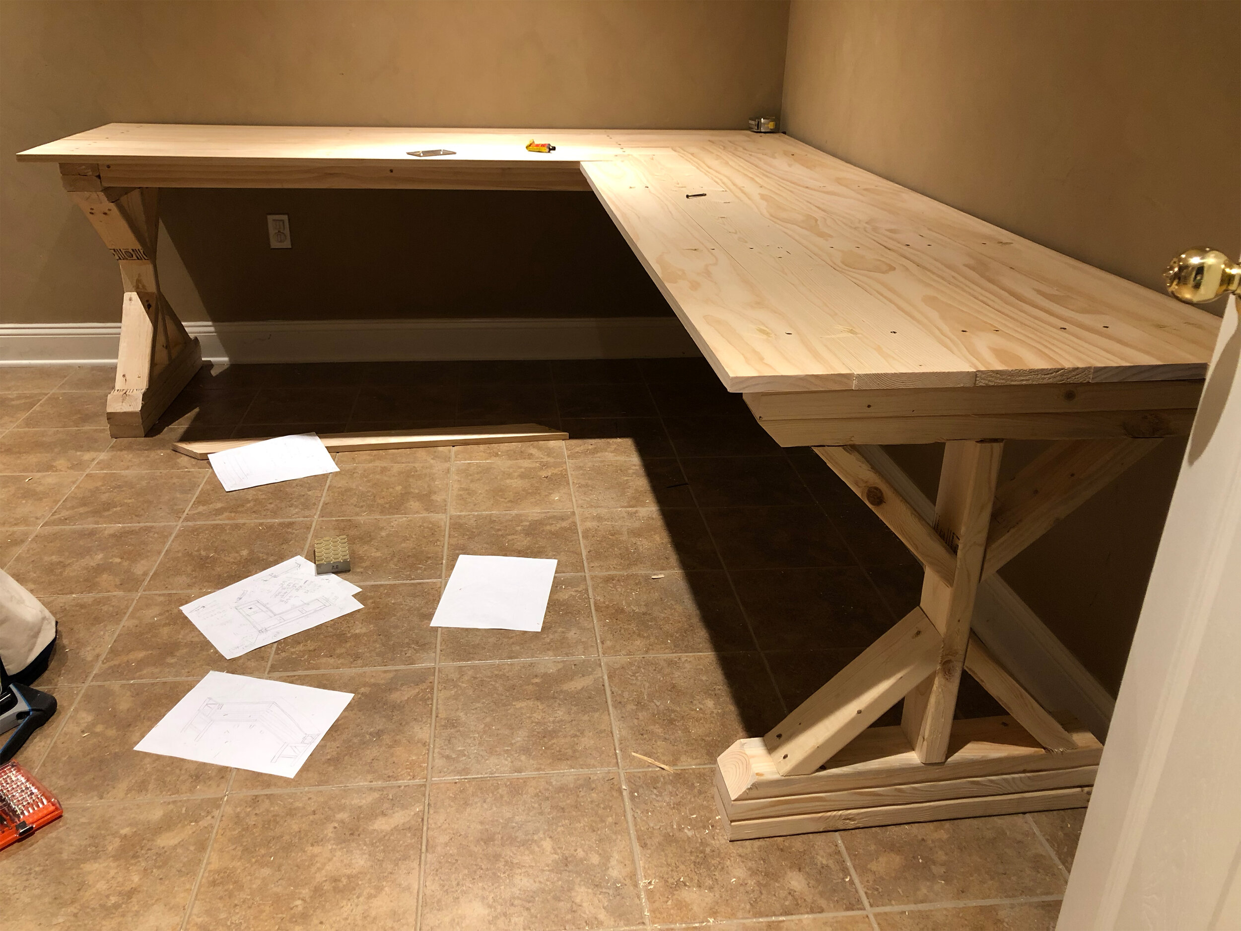 diy desk 5.jpg