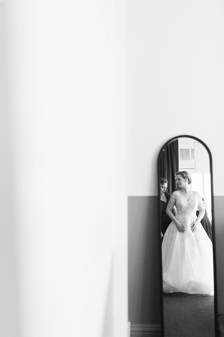 Walsh_bay_natural_candid__wedding_Photographer_011.jpg