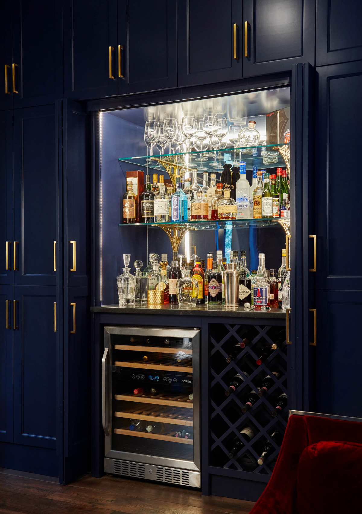 Kenwood Manor – Bar Built In Styling