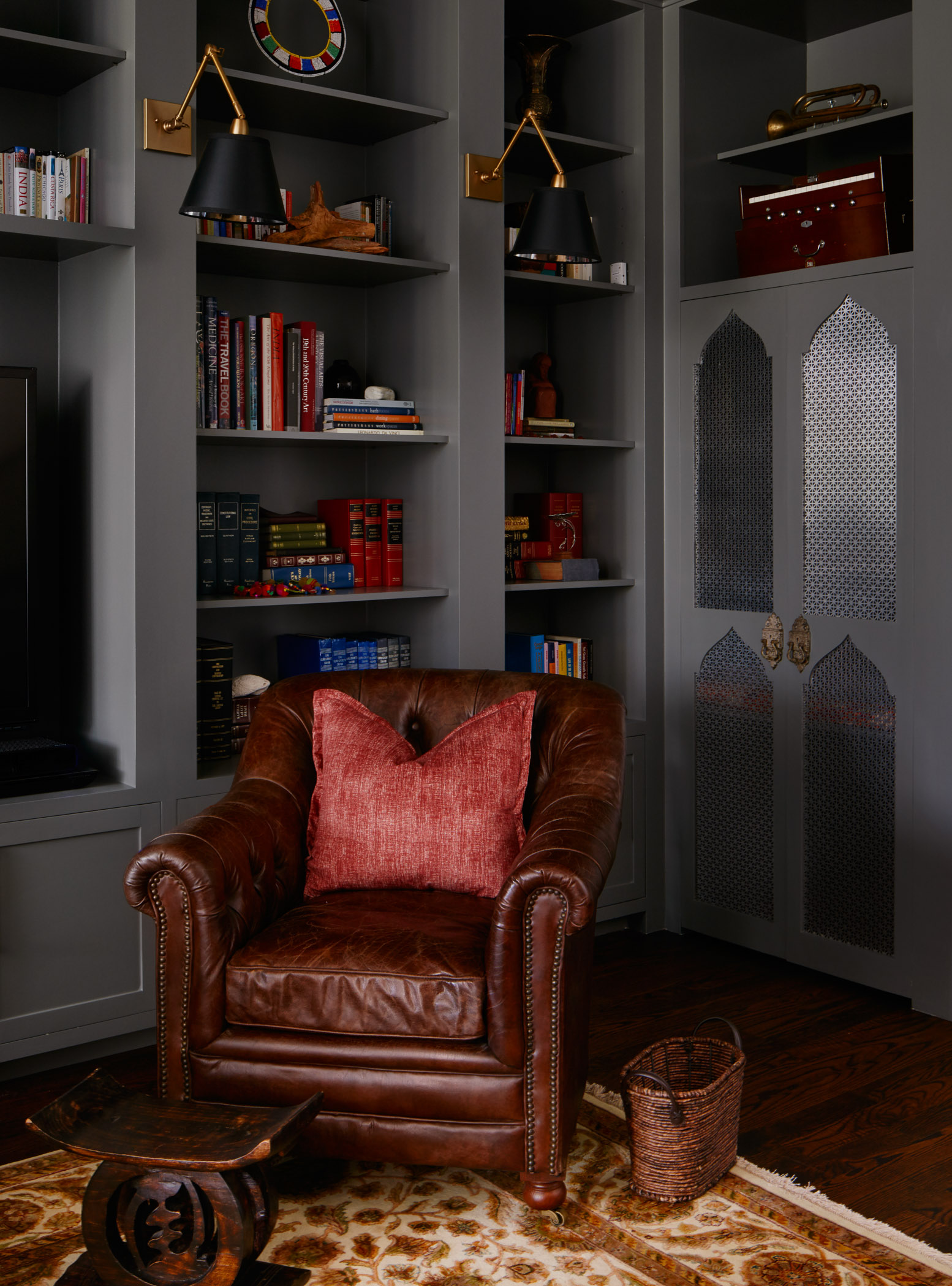 Westshore St Project – Library Built-In Styling