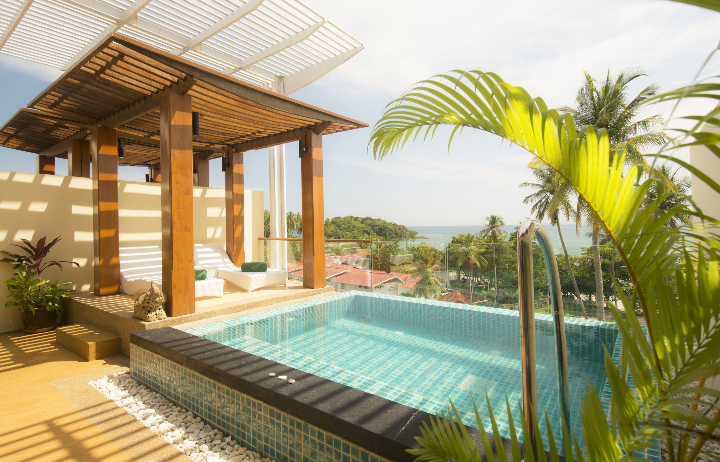 Pool and Sala.jpg