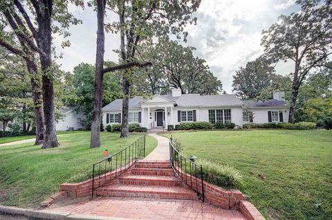 FOR SALE:  3408 Kinds Highway, 4bd, 3ba  0.45 acres lot, 3,063 sq ft   $429,900   R. Johnson Williamson Realty