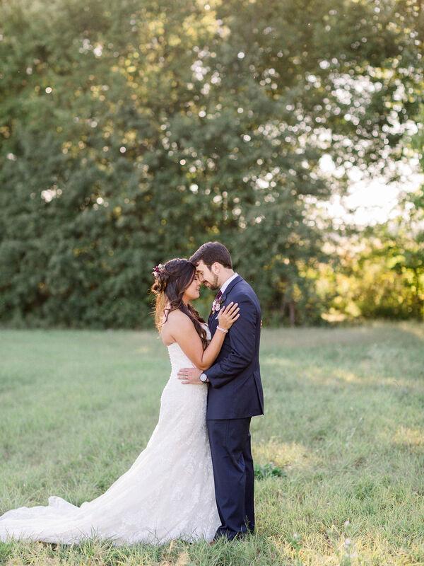 love-tree-studios-emerson-fields-wedding-bz-437_1.jpg