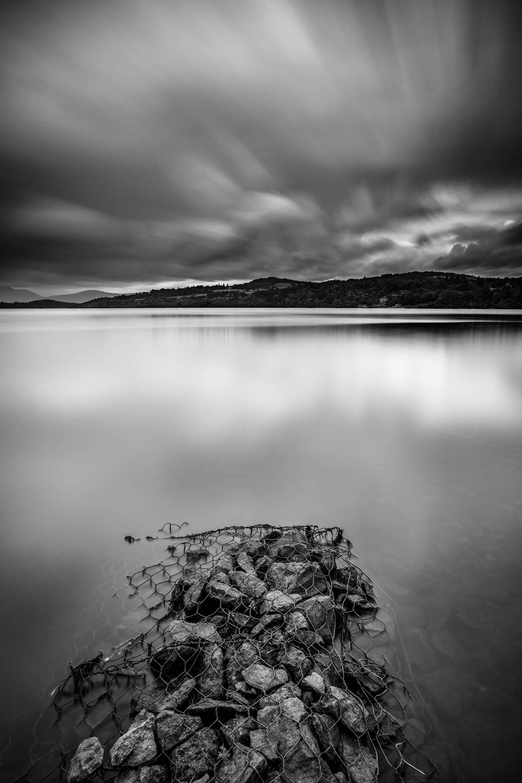 Loch Lomond with wire and rocks_3000px-60.jpg