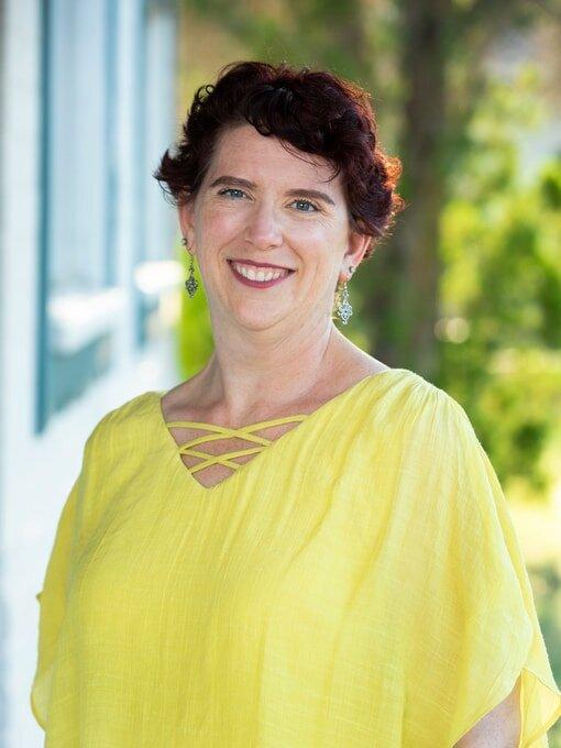 Voice coach Rachel welcomes you to Velarde Voice, Scottsdale, AZ!