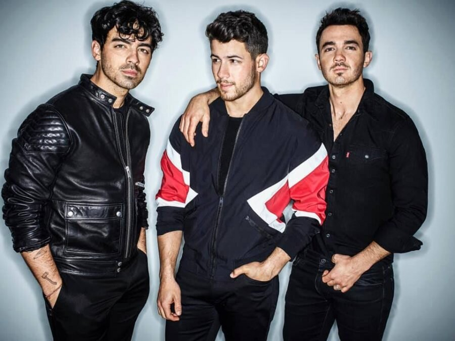 Win Tickets to see The Jonas Brothers AT FAMILY FUN NIGHT! -