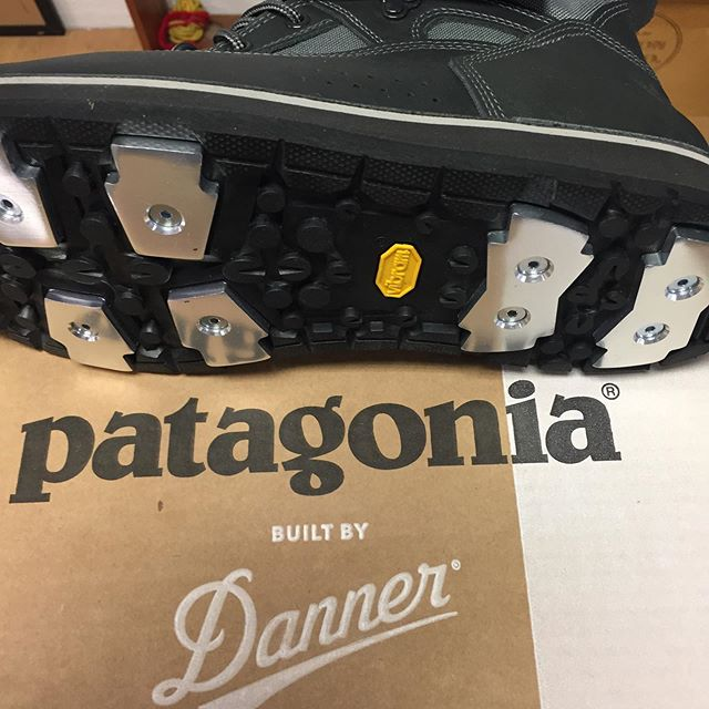 New Patagonia Foot Tractor wading boots by Danner in stock here at Rogue Valley Anglers Fly Shop!  Definitely the best wading boots ever made.  A big price tag, but you're going to get thousands of days use out of them instead of hundreds.  Comes with an extra set of aluminum bars, as those will wear out before the actual boots do.  Stop by to get a look and try them on!  #patagonia #dannerboots #almostforeverboots #wadingboots #flyshop #shoplocal #flyshopstrong #flyfishing #medfordoregon #stateofjefferson #southernoregon