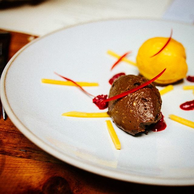 Coffee mouse with mango sorbet and chocolate base. Yummy. This is from The Raj journey and presents the African flavours of Kenya!