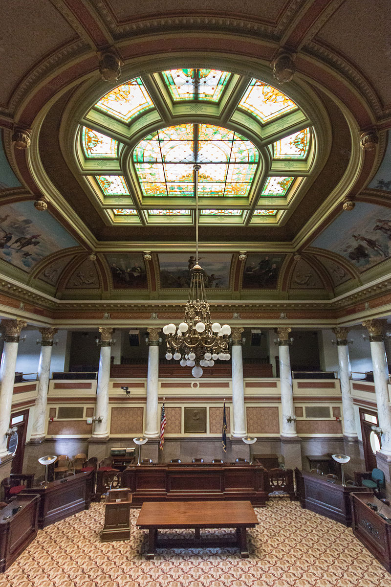 800px-MK01780_Montana_State_Capitol_Old_Supreme_Court.jpg