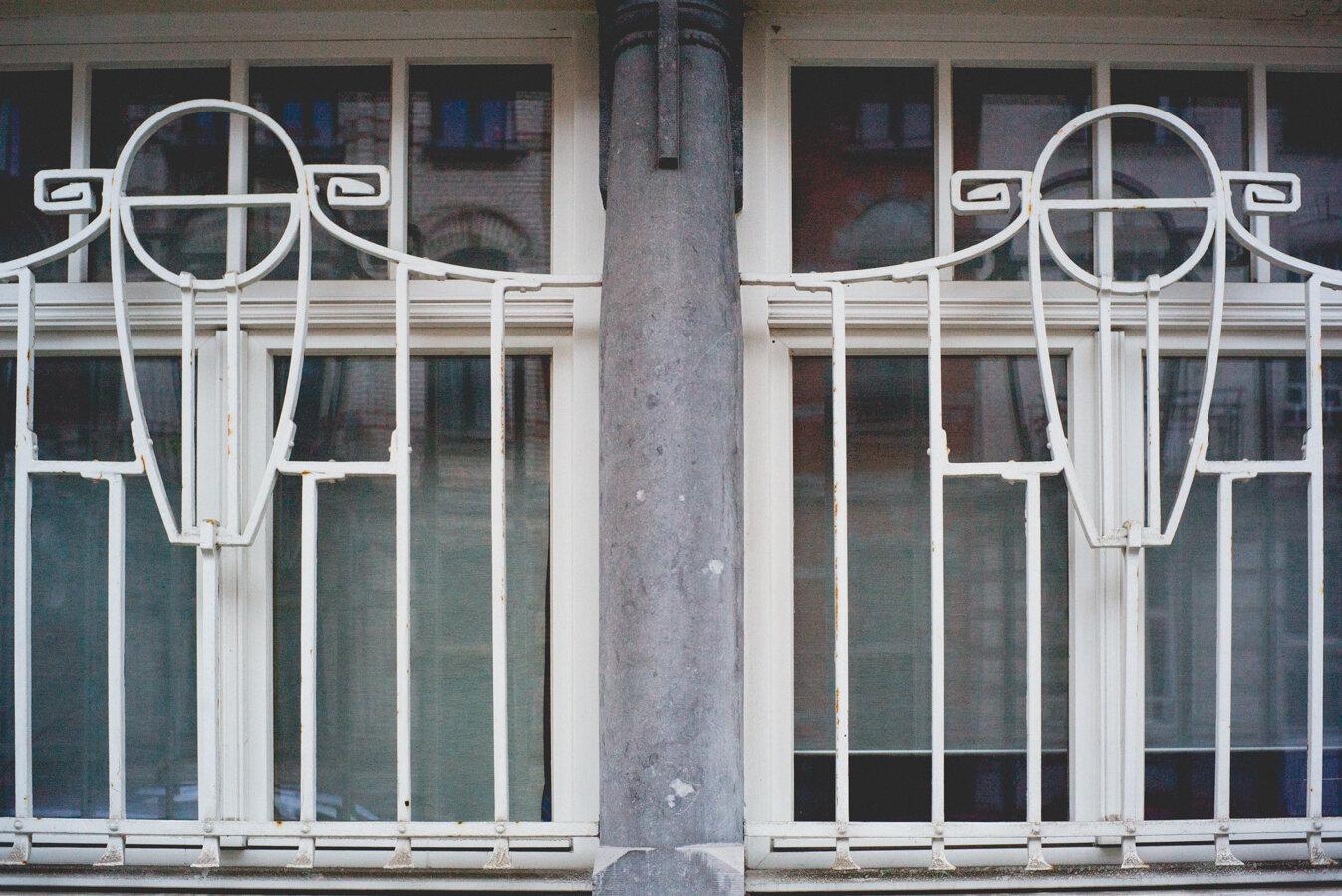 white windows-1007106.jpg