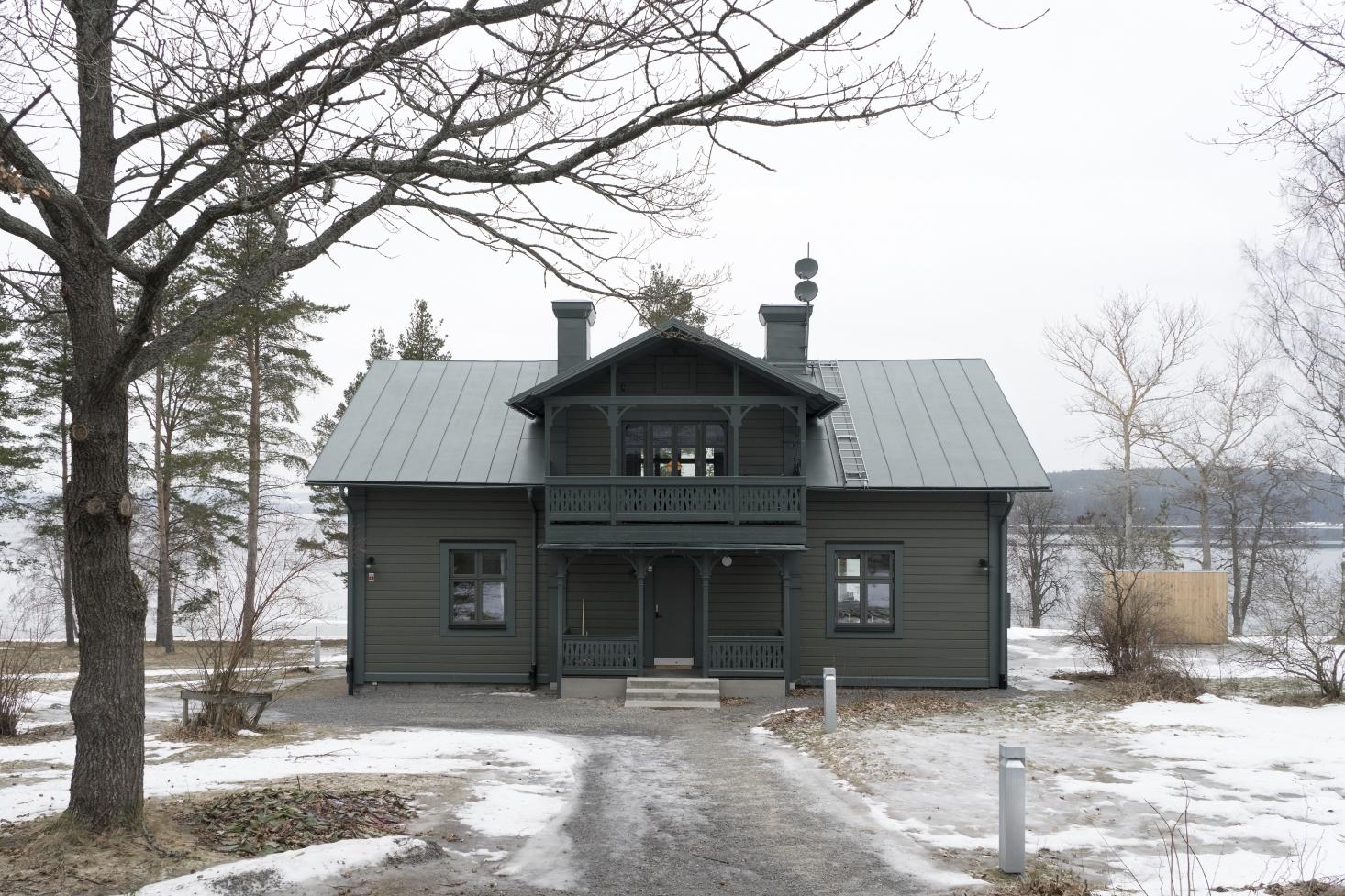 A Darkly Romantic House in Sweden by Skälsö Architects -