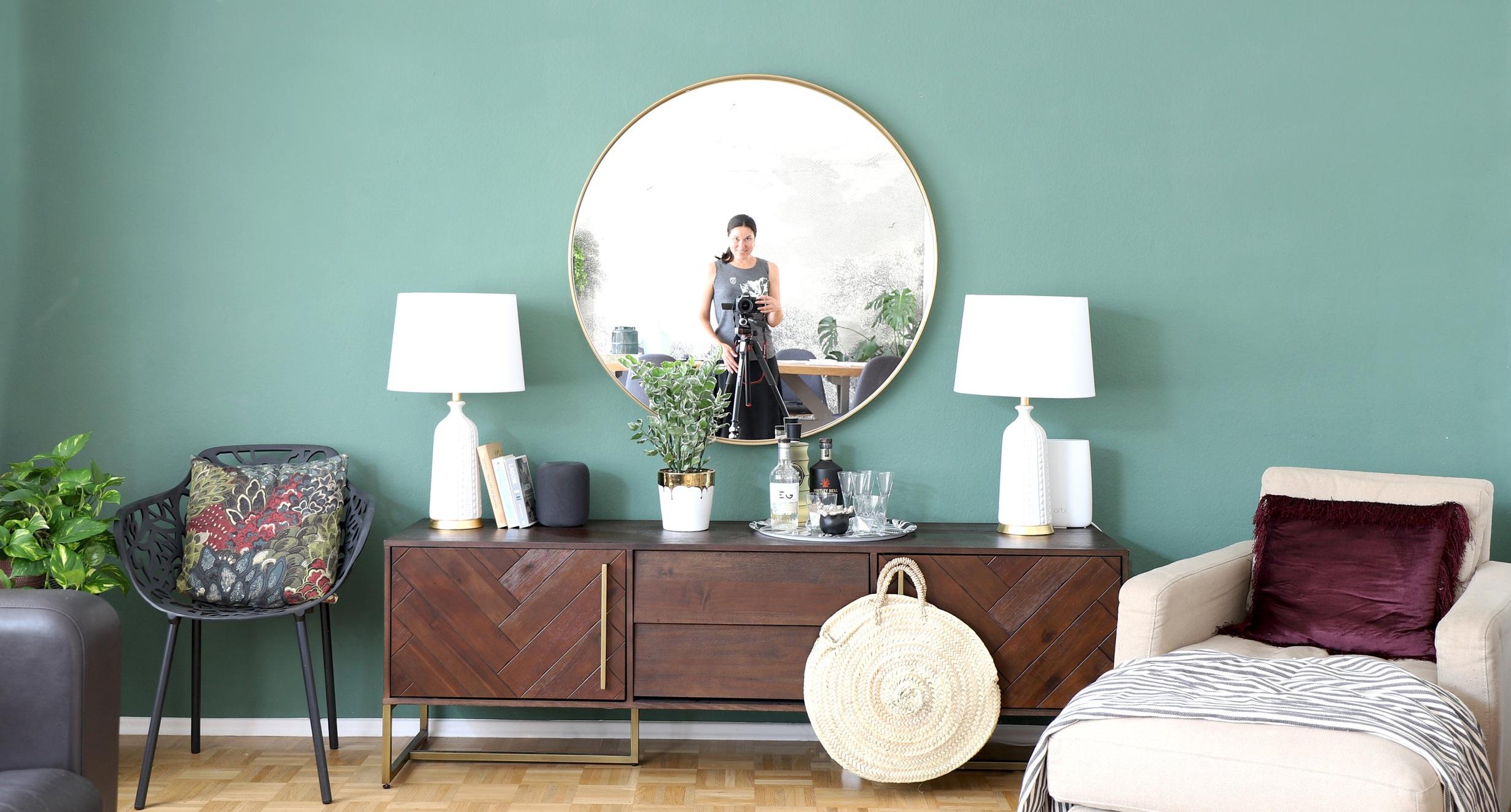 Me+in+mirror+wide.jpg