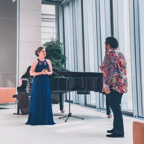 Siobhan Stagg & amp;  René Barbera grabando en Berlín para el Día Mundial de la Ópera