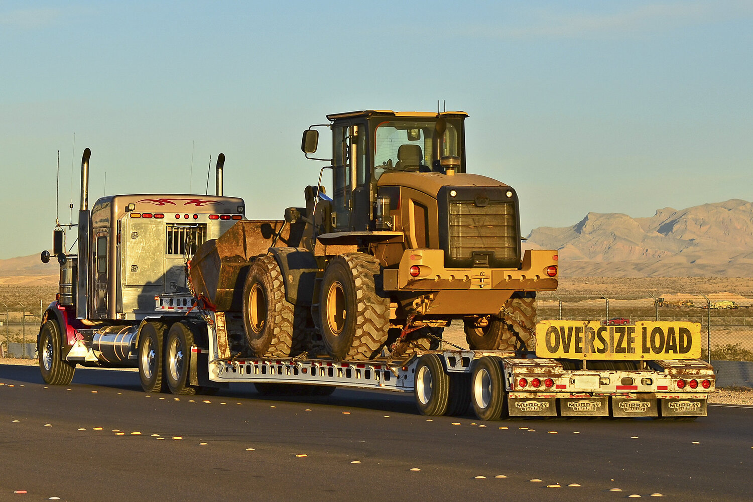 Heavy-Haul - Understanding dimensional and weight restrictions is critical to finding the right equipment. Heavy-haul encompasses freight up to 100,000lbs.