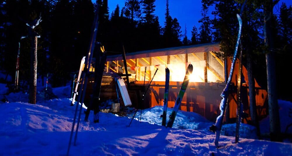 BENCH hut - Bench Hut is the perfect destination for intermediate and advanced downhill skiers and boarders. Nestled high in the Sawtooth Mountains at 7400 feet, just 4 miles from the Redfish Lake Trailhead, you'll enjoy outstanding views and a variety of ski terrain.Available Winter Only