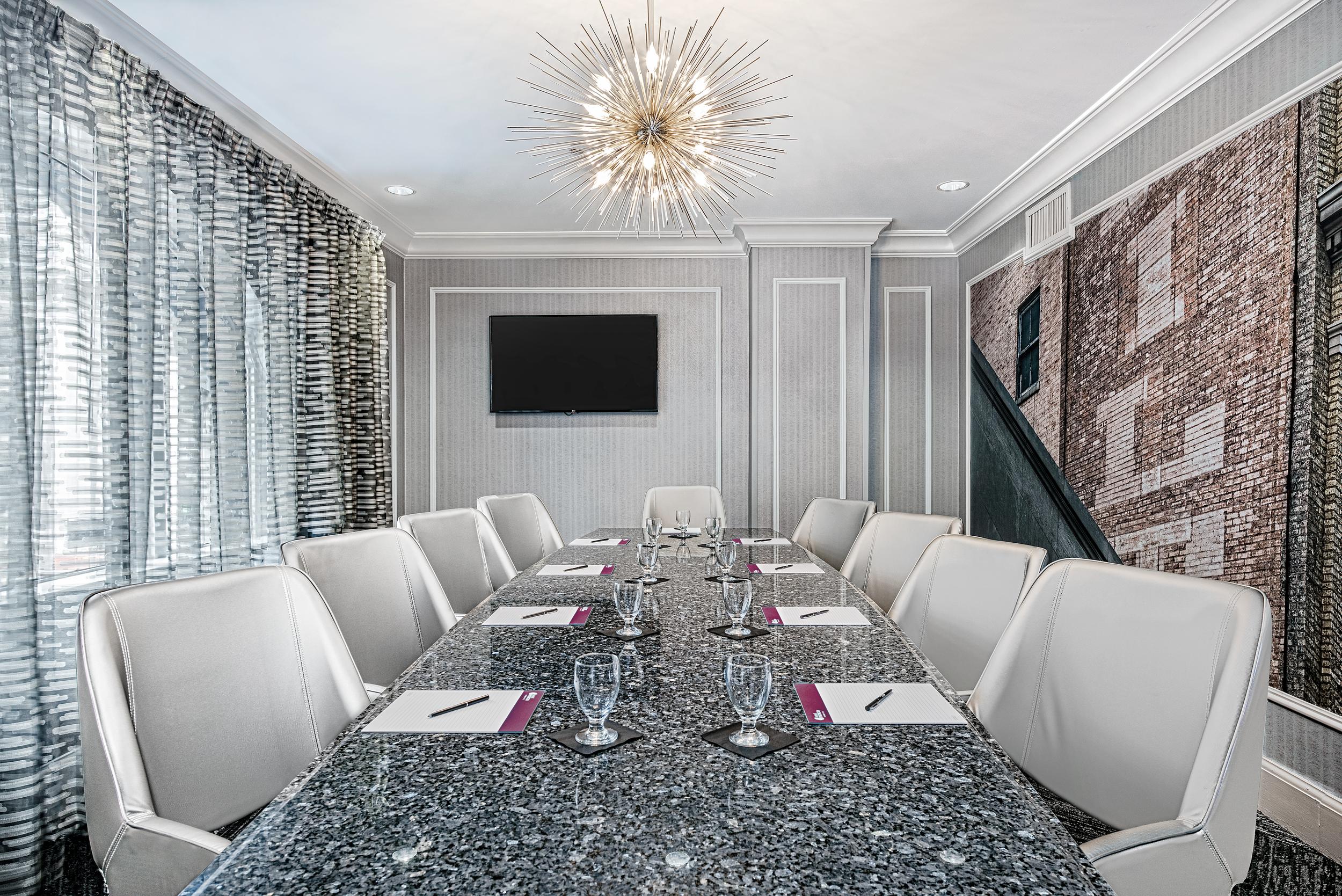 dalar-hotel-indigo-dallas-downtown-boardroom-conrad2.png