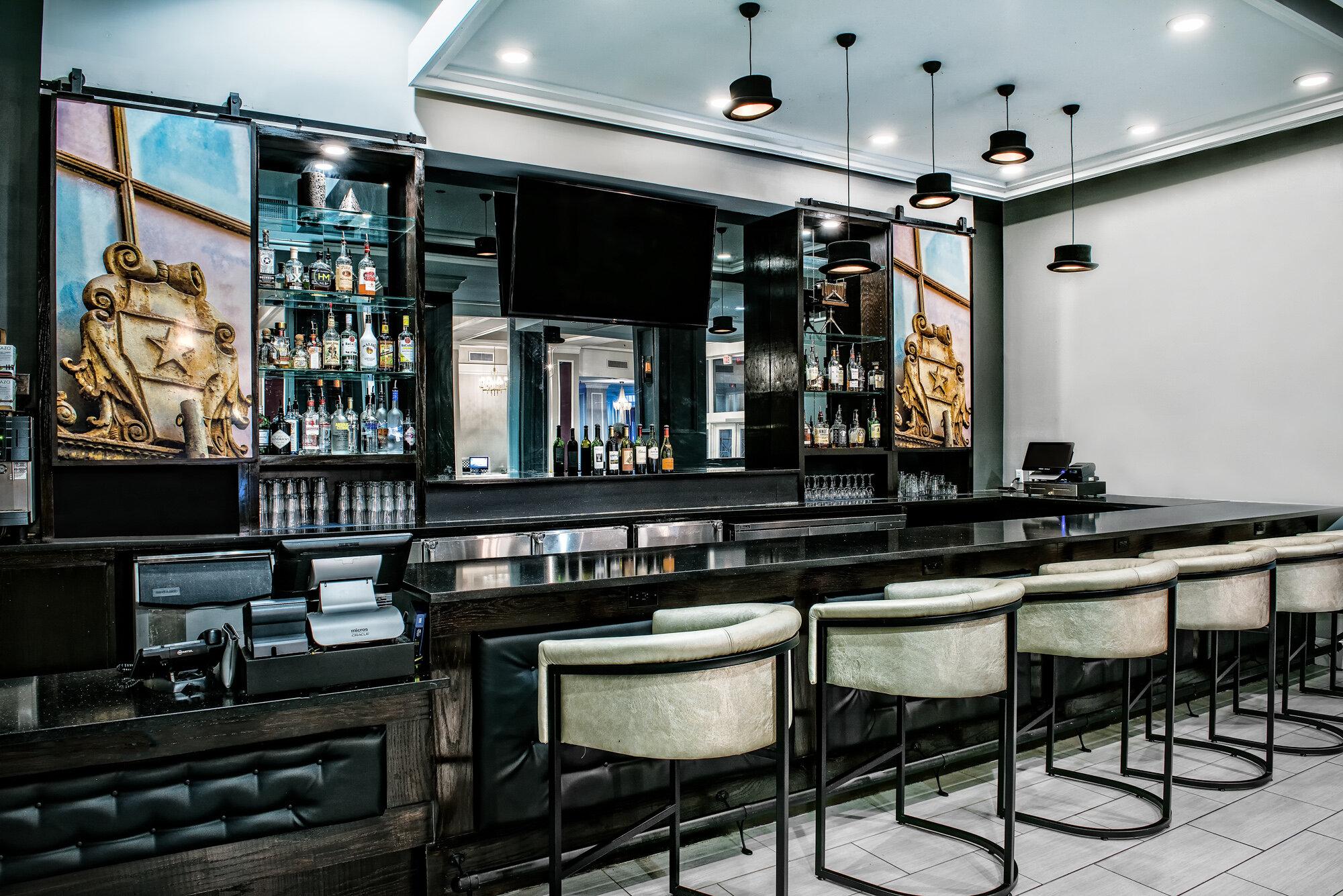 dalar-hotel-indigo-dallas-downtown-bar-low res.jpg