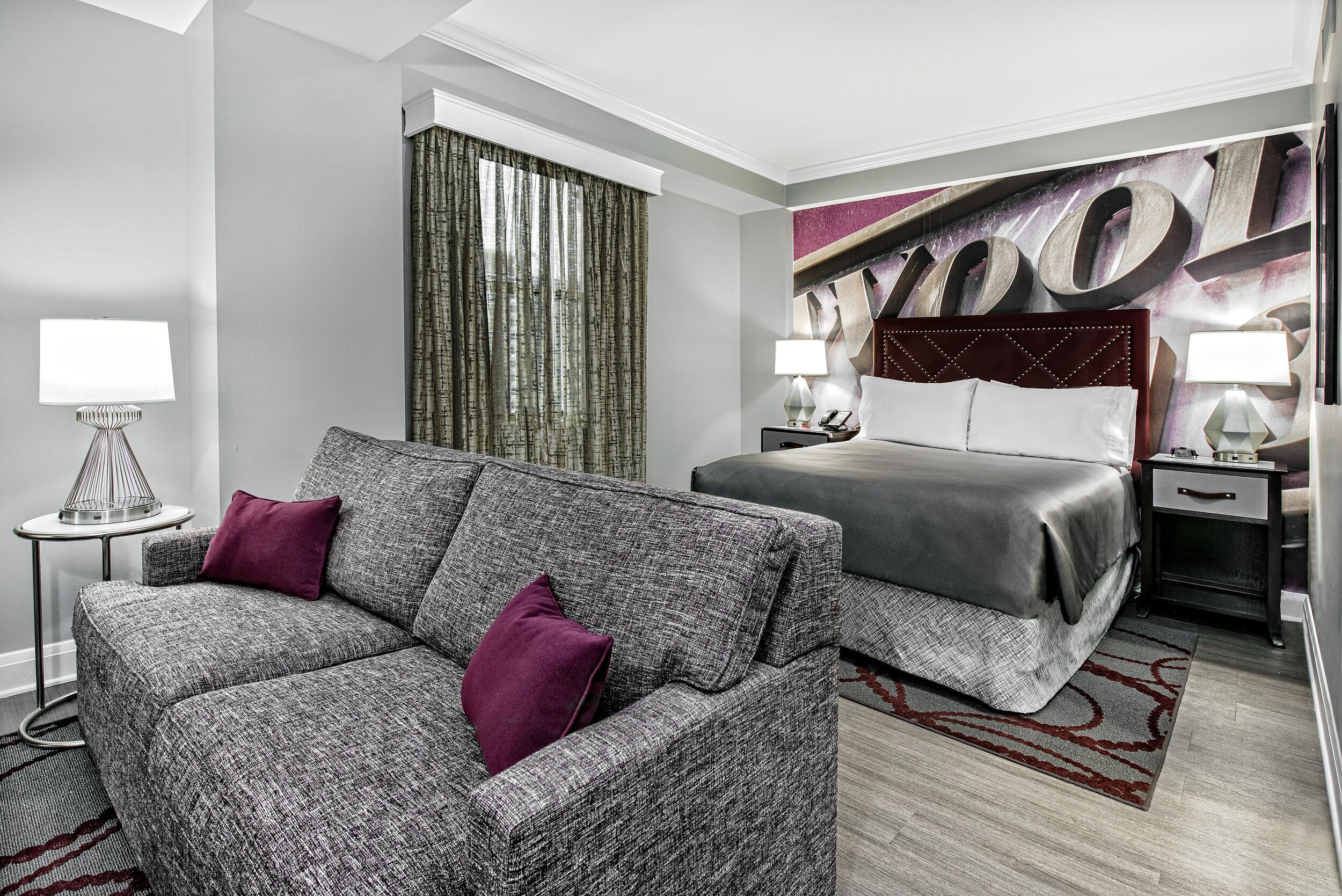 dalar-hotel-indigo-dallas-downtown-junior suite-sleeping-area-rm1100.jpg