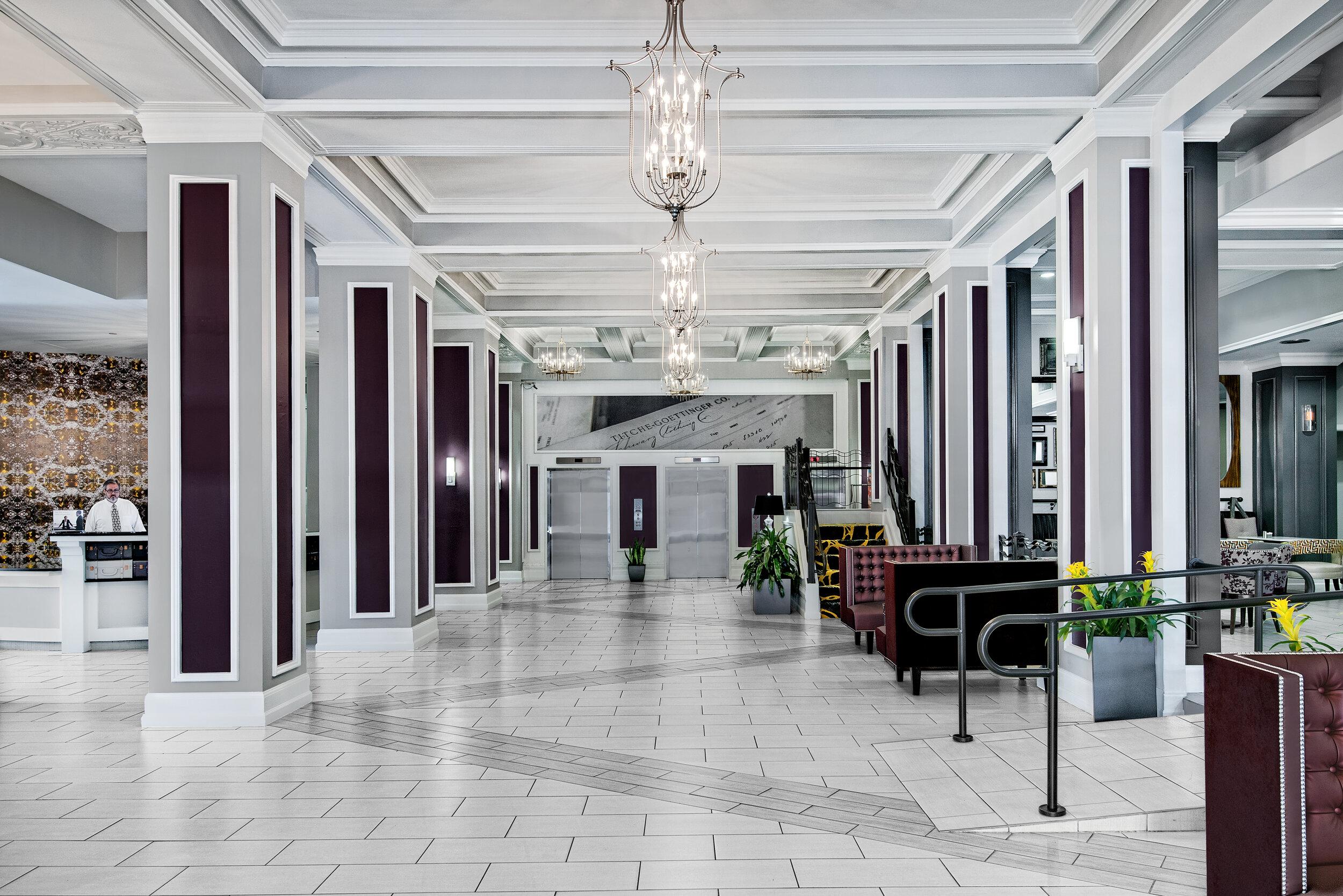 dalar-hotel-indigo-dallas-downtown-lobby-arrival.jpg