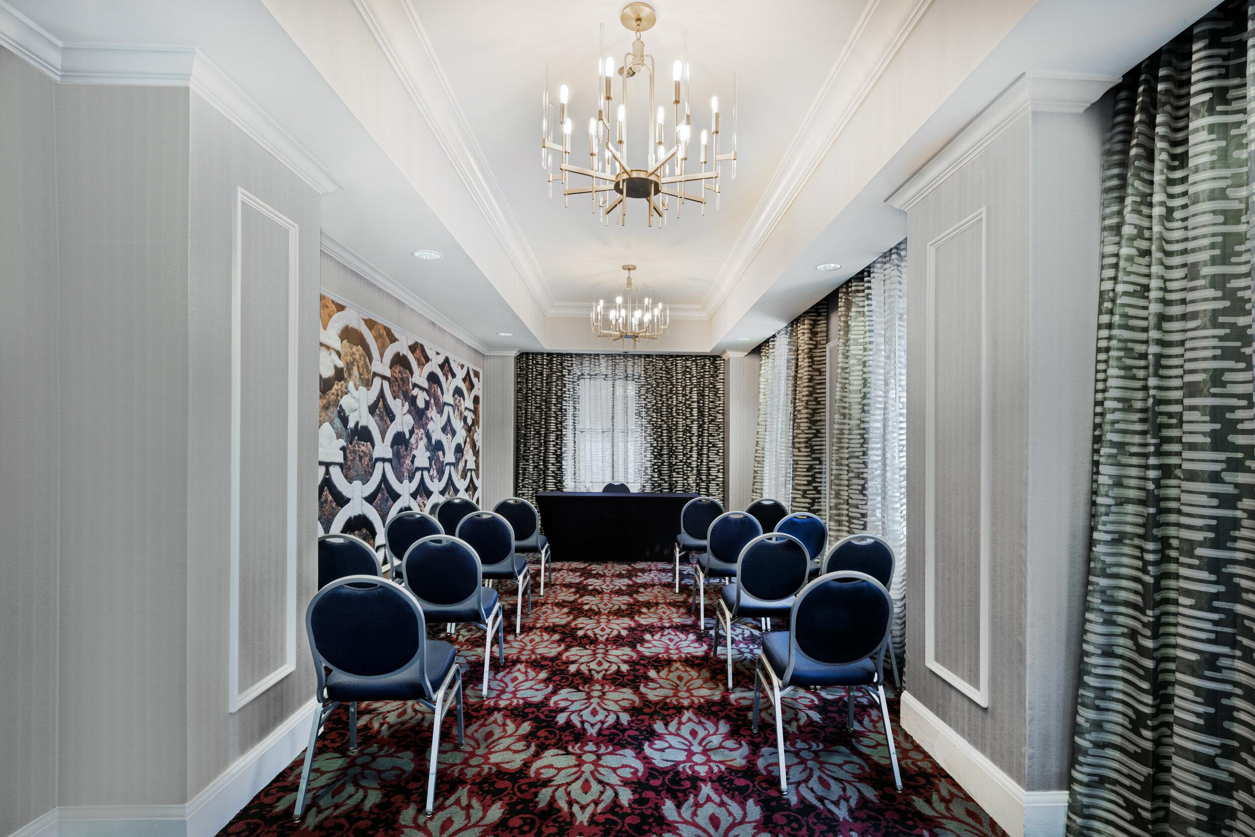 dalar-hotel-indigo-dallas-downtown-meeting-room-plaza.jpg