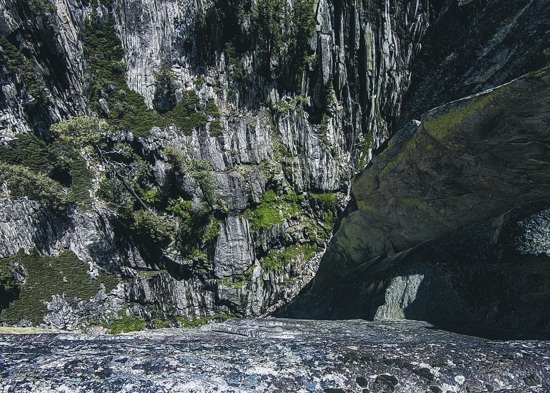 Taft Point Yosemite 2 - Herschl.jpg