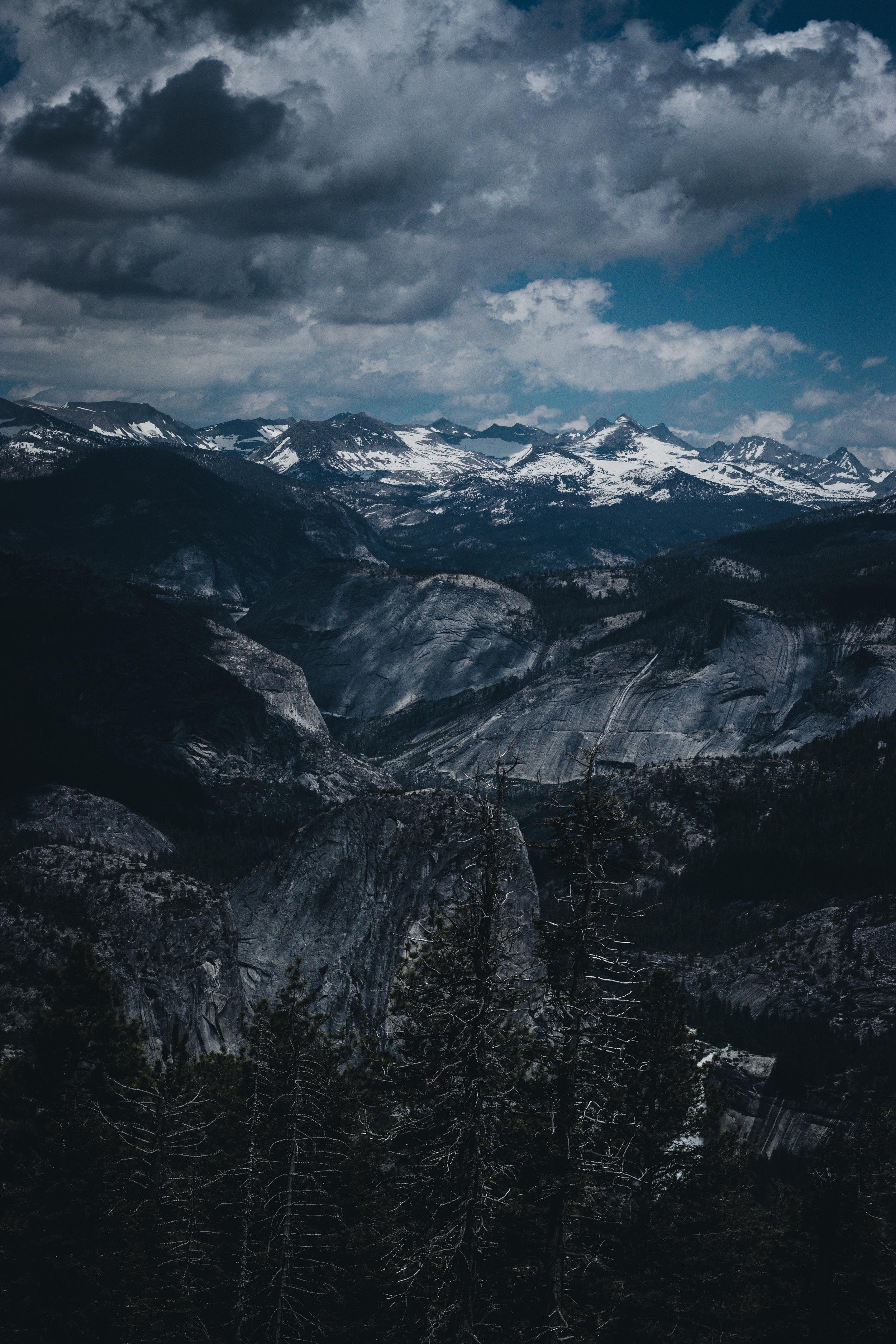 Mountains Yosemite - Herschl 4.jpg