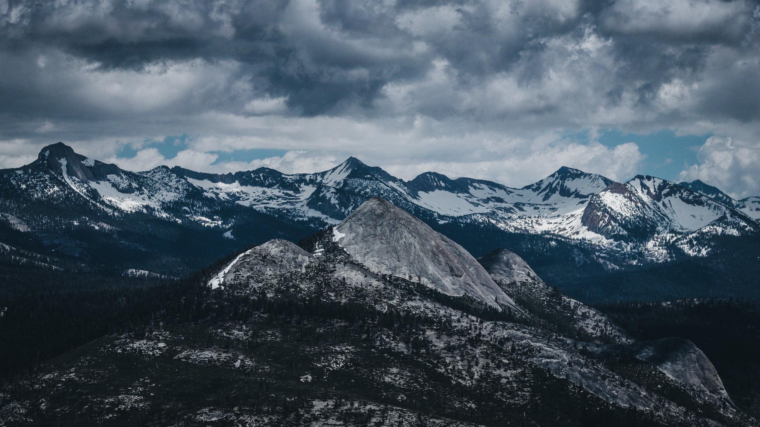 Mountains Yosemite - Herschl 5.jpg