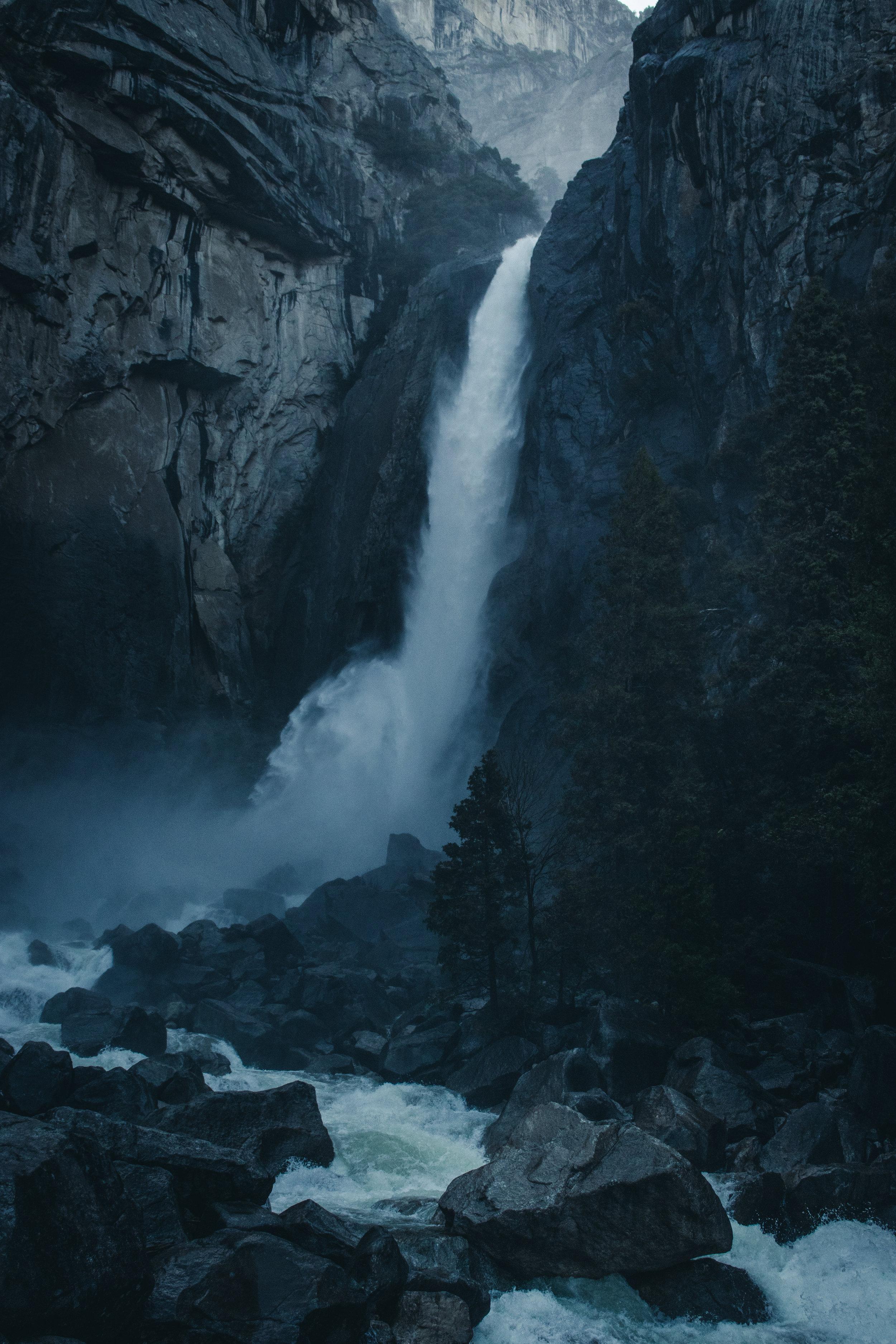 Yosemite Falls - Herschl.jpg