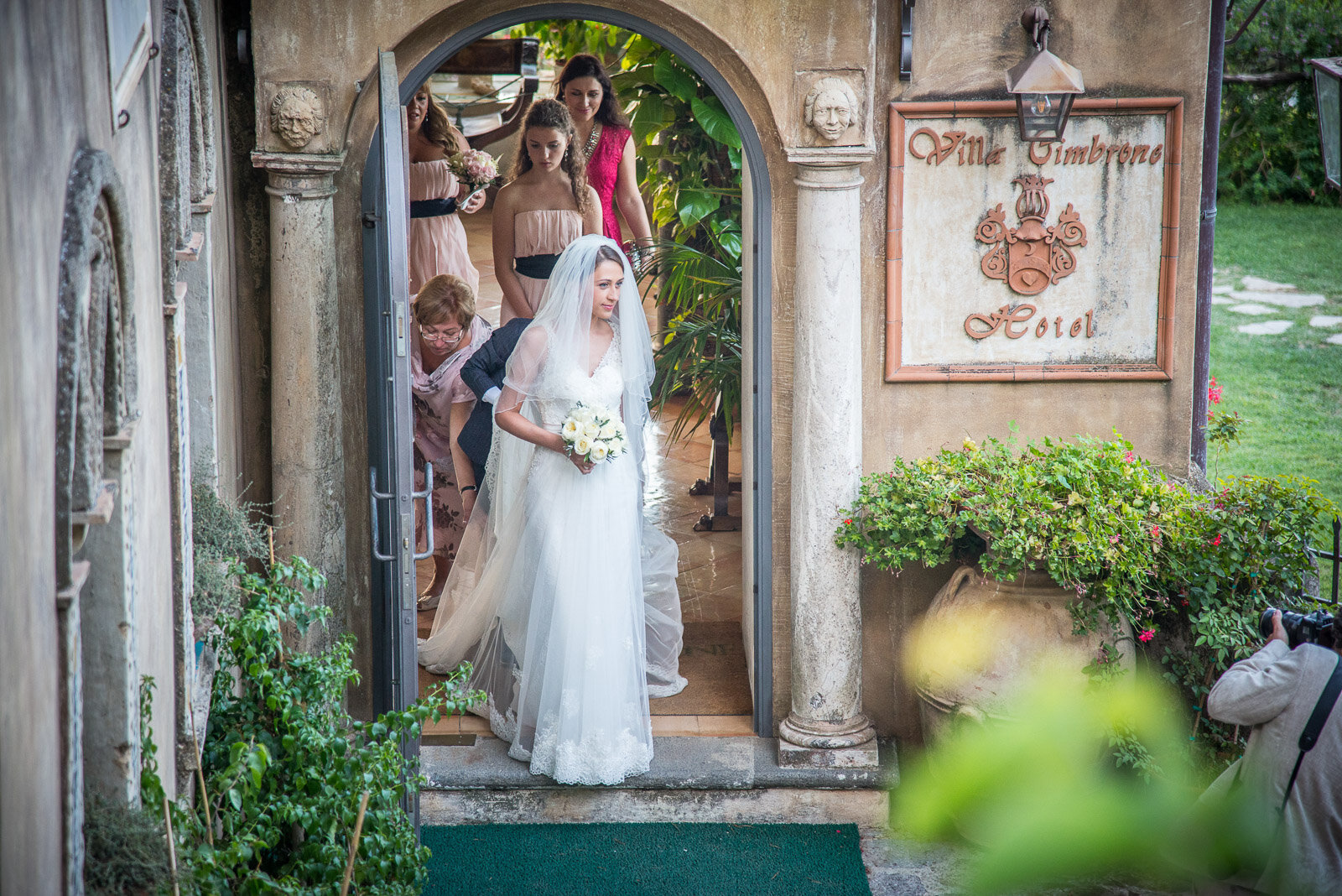 Russian Wedding in Villa Cimbrone Costiera Amalfitana 01-2.jpg