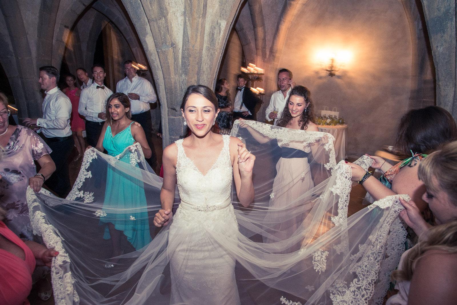 Russian Wedding in Villa Cimbrone Costiera Amalfitana 33.jpg