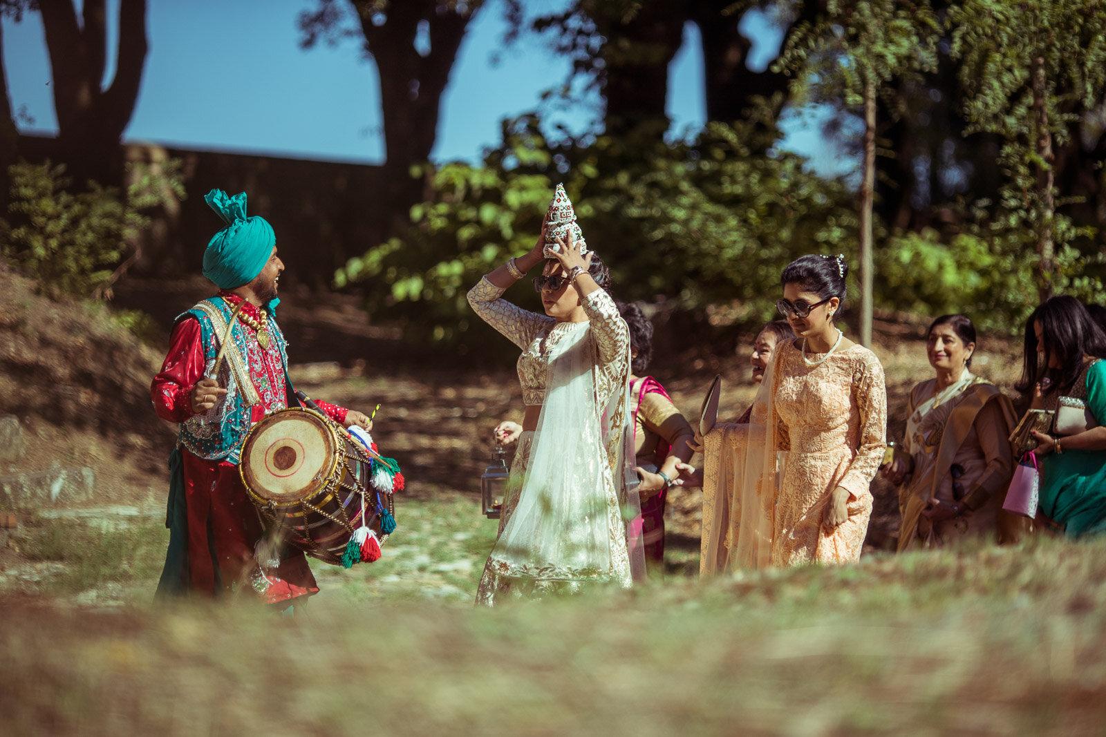 Destination Indian Wedding in Borgo San Faustino 08.jpg