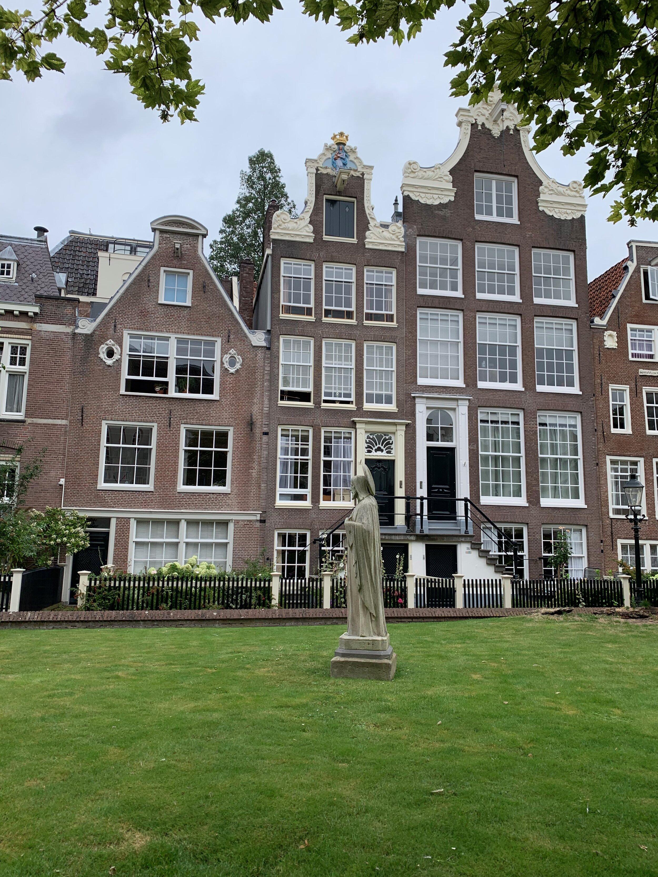 Begijnhof Garden in Amsterdam