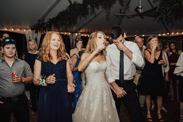Why speak it when you can rap it! Kassidy's dad killed it, rapping his speech at his daughters wedding. Swipe to the last image to hear a snippet of his rap. •• What is the funniest or coolest speech you've ever heard at a wedding or rehearsal dinner? We wanna know! || • • • #jodarlingphotography #jodarlingweddings #momentsovermountains  #destinationweddingphotographer #midwestweddingphotographer #memphisweddingphotographer #seattleweddingphotographer #washingtonwedding #washingtonbride #olympiaweddingphotographer #loveandwildhearts #lookslikefilm #justgoshoot  #authenticlovemag #belovedstories  #radlovestories  #shesaidyes  #photobugcommunity  #featureityall #spokaneweddingphotographer #goldenlovestories #themarriageproposal #matkearney #kingsandqueen  #RollTide #ToHarvAndToHutch #alabamabride
