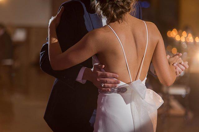 Candlelight + First Dance = Fairytale Moment  . . . #weddingvideography #weddingphotography #weddingplanning #weddingring  #austinwedding #sanantoniowedding #texaswedding#dallaswedding#outdoorwedding#bridetobe#bridalparty#weddinginspiration#stylemepretty#newlyweds#justmarried#weddinginspo#weddingdress#goldenhour#bridalstyle#theknot#weddingwire