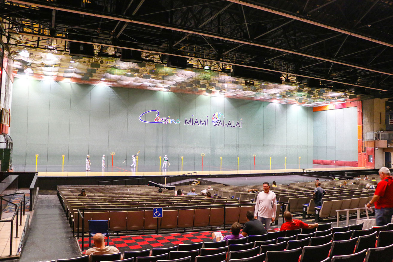 An overview of the Casino Miami and the Jai Alai court. As you can see, it's very popular.