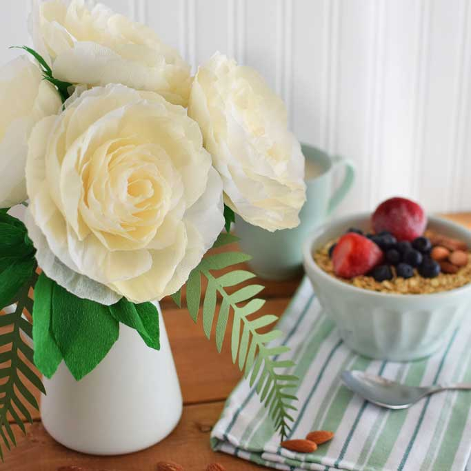 DIY-Crepe-Paper-Garden-Rose-with-breakfast-DIY-wedding-rose-gardenrose-centrepiece-paperflower.jpg