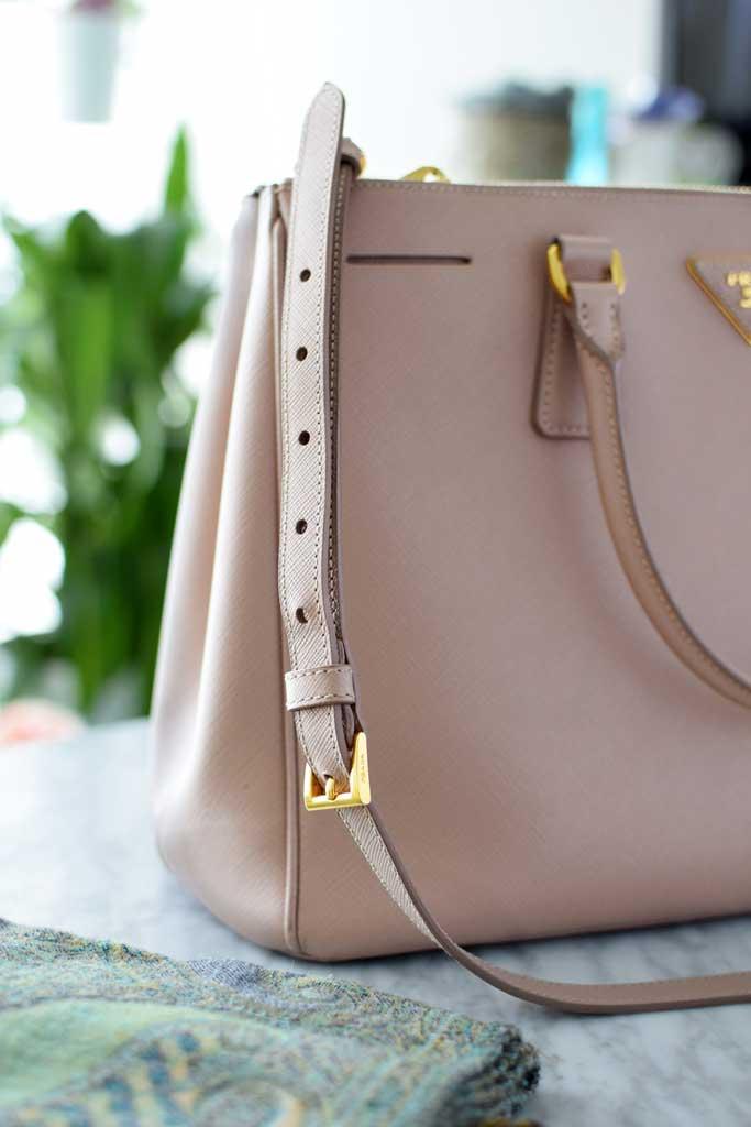 How-to-shorten-straps-on-a-handbag-close-up-DIY-prada-handbag.jpg
