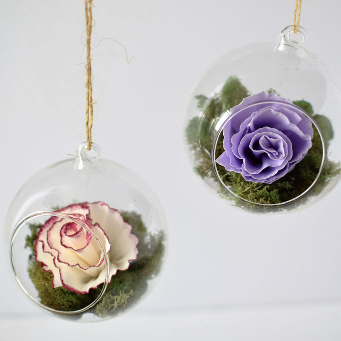 DIY-Paper-Flower-Hanging-Glass-Globes-for-Your-Wedding-featured-image-DIY-tutorial-paperflowers-crepepaperflowers-bridalshower-backdrop-hangingglassglobes-ceremony.jpg