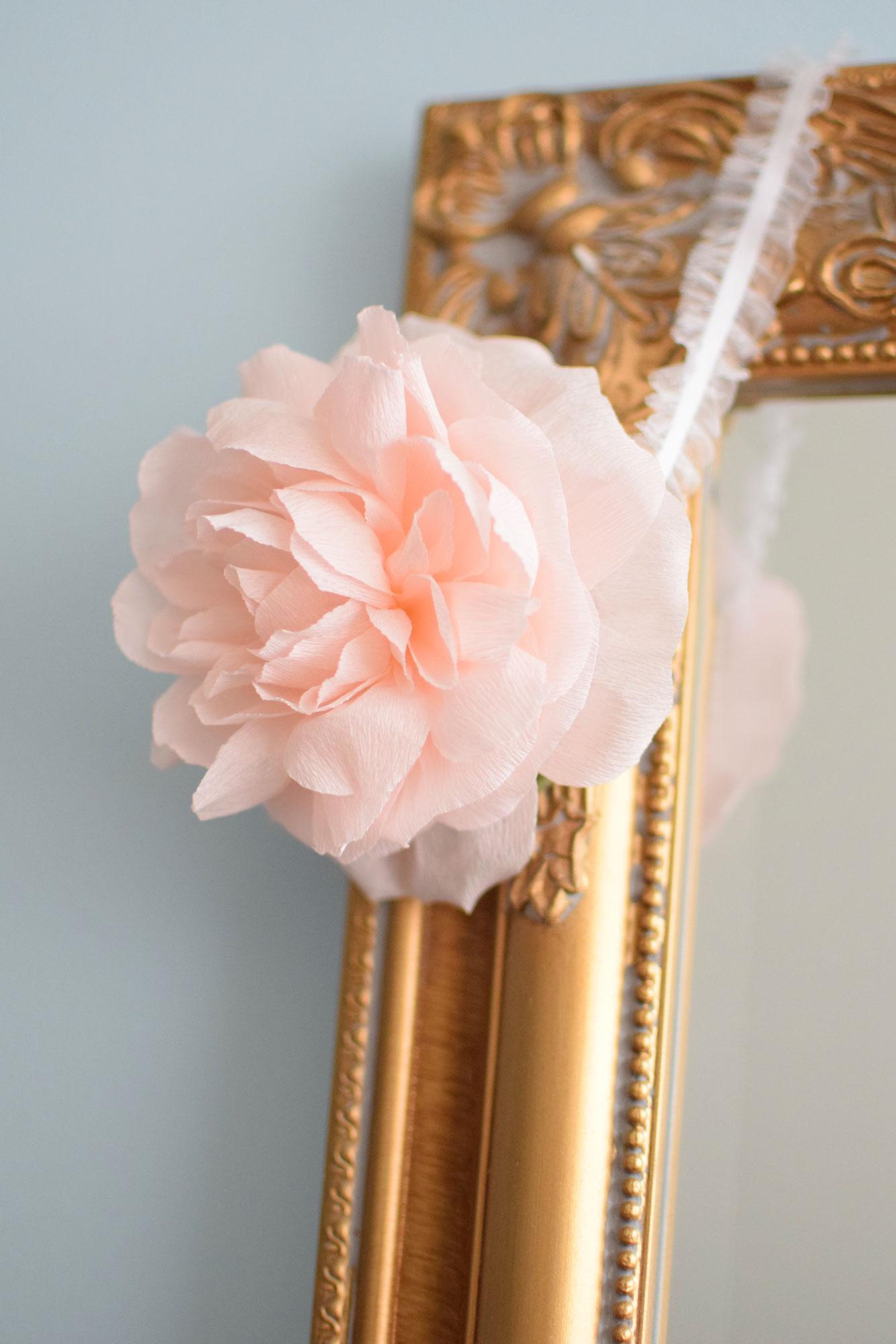 English-Rose-Headband-DIY-paperflowers-crepepaper-rose.jpg