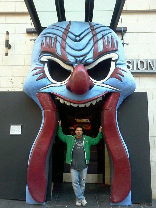 me and clown.jpg