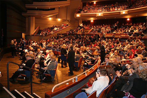 Photo – Columbus Ohio, JoAnne Davis Theater, CAPA – Christine's Christmas Concert