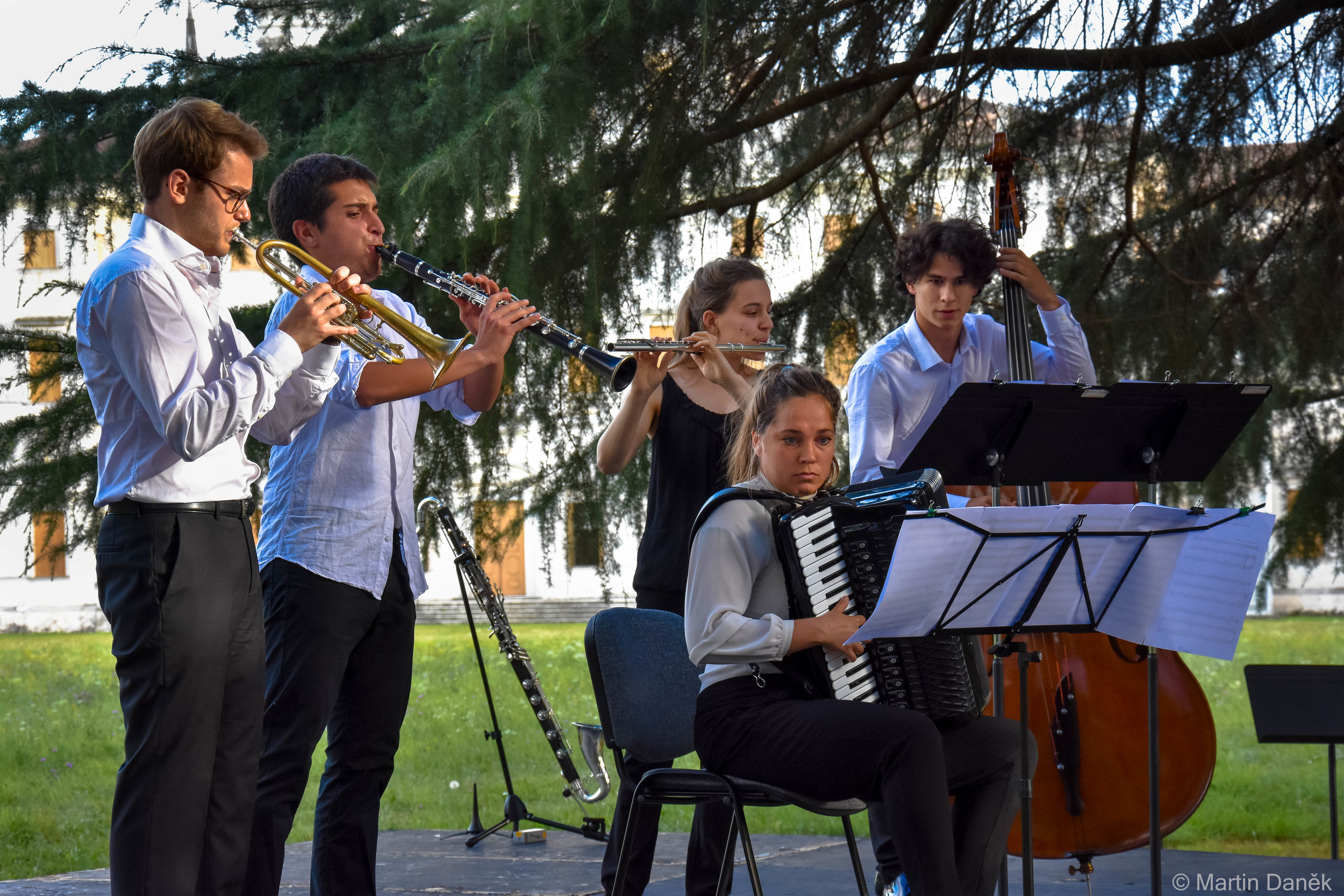 Piazzolla in the park of Villa Manin.
