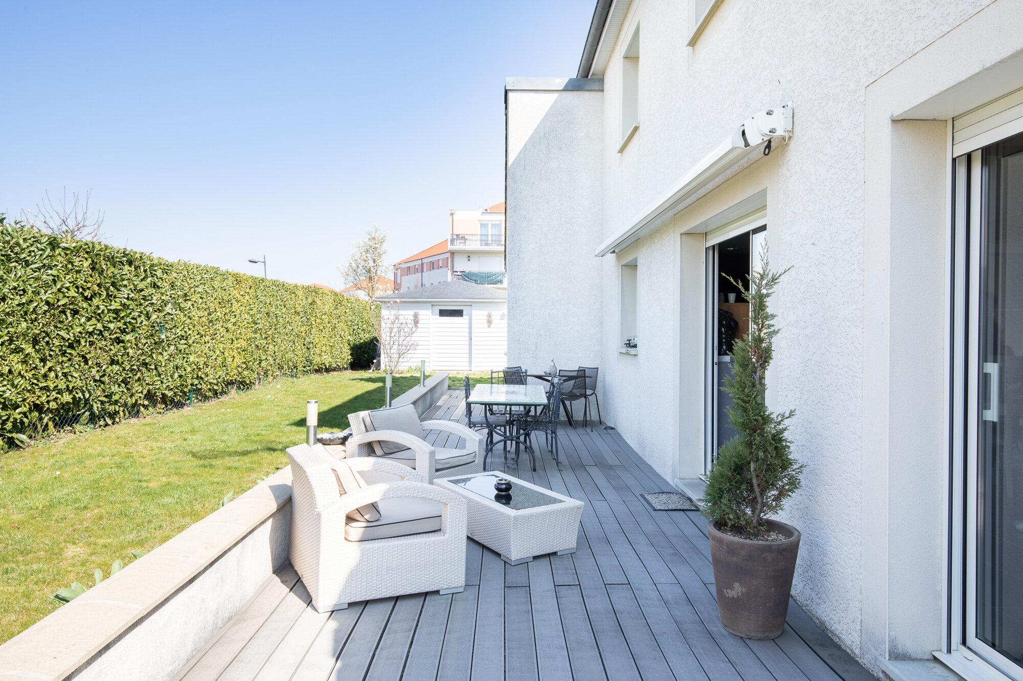 Maison  Chevigny-St-Sauveur Maison 145 m² - 4 chambres - 389 000 €