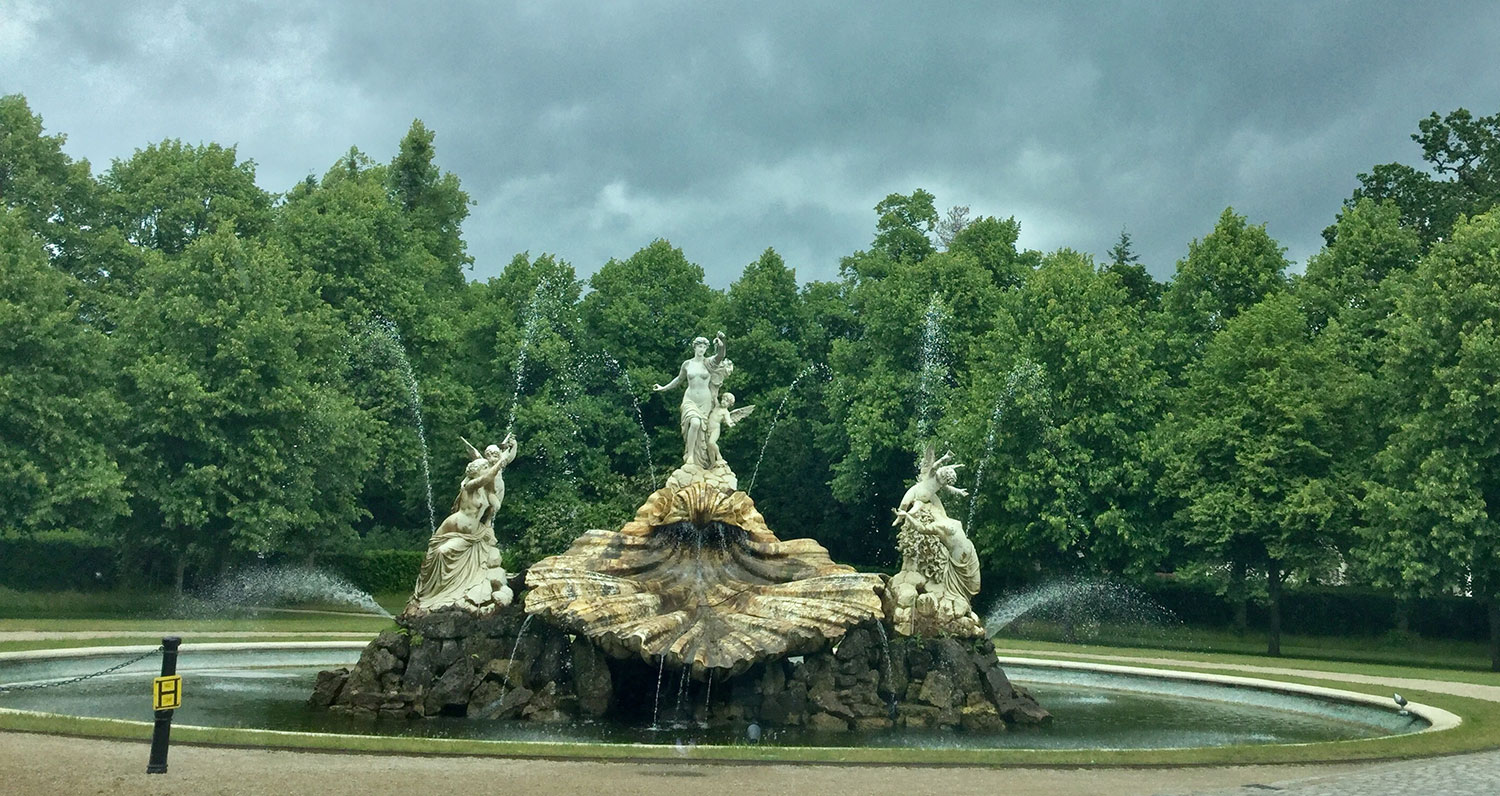 VISITING THE FANTASTIC SHELL FOUNTAIN AT THE NATIONAL TRUST CLIVEDEN HOUSE GARDENS WITH CLIENTS