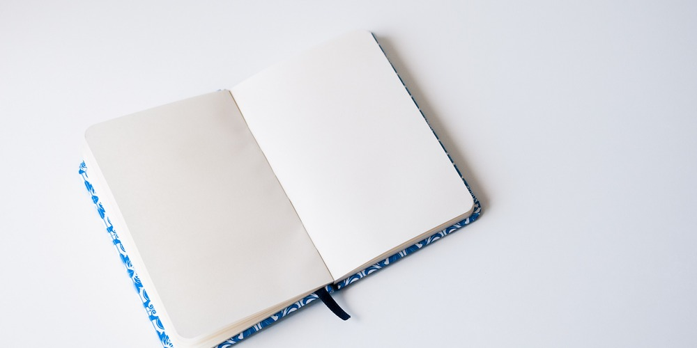 Journaling-about-difficult-topics-blog.jpg