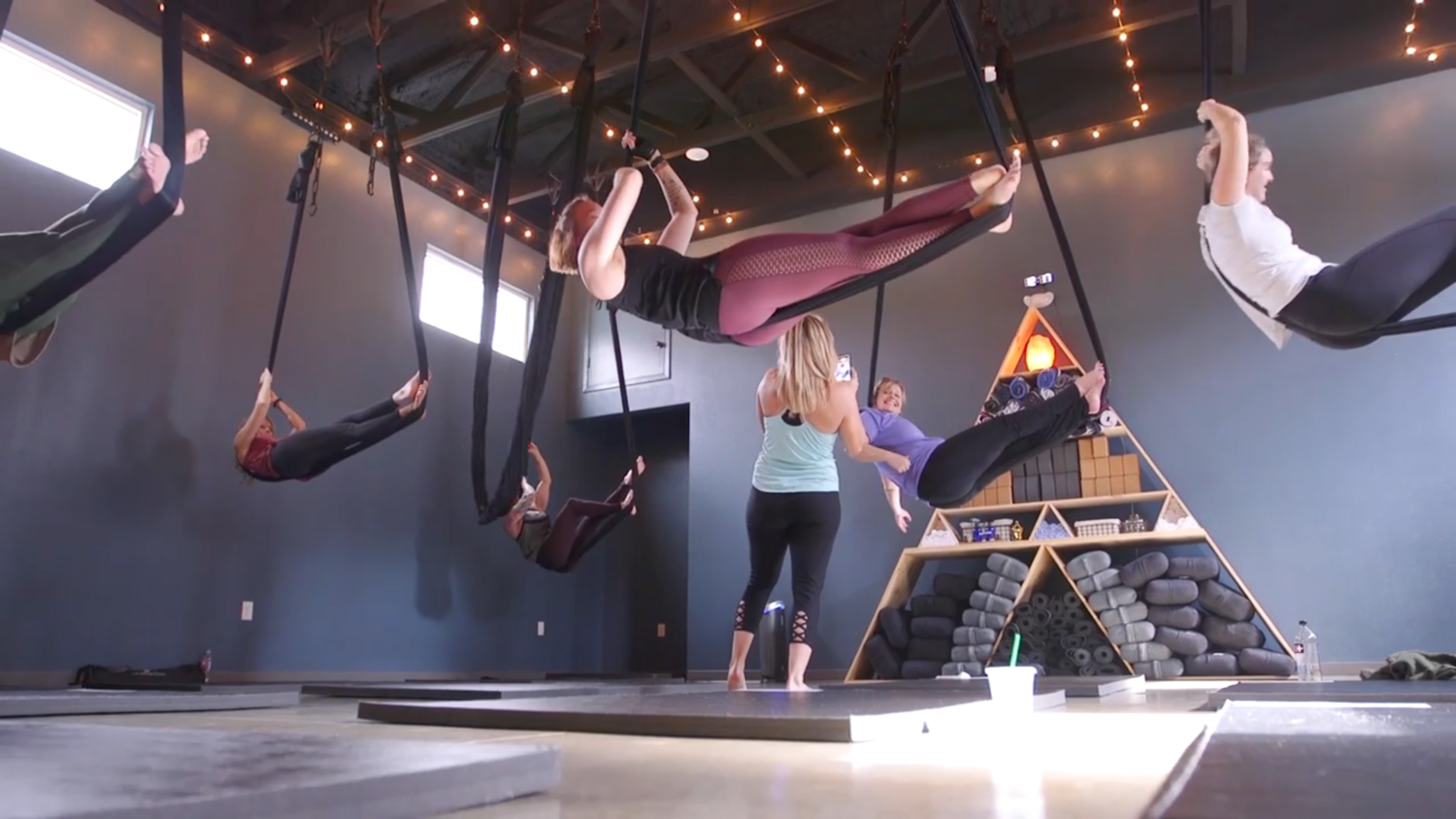 $225 - 60 Minute Private Group Aerial Yoga Session(Up to 12 People)